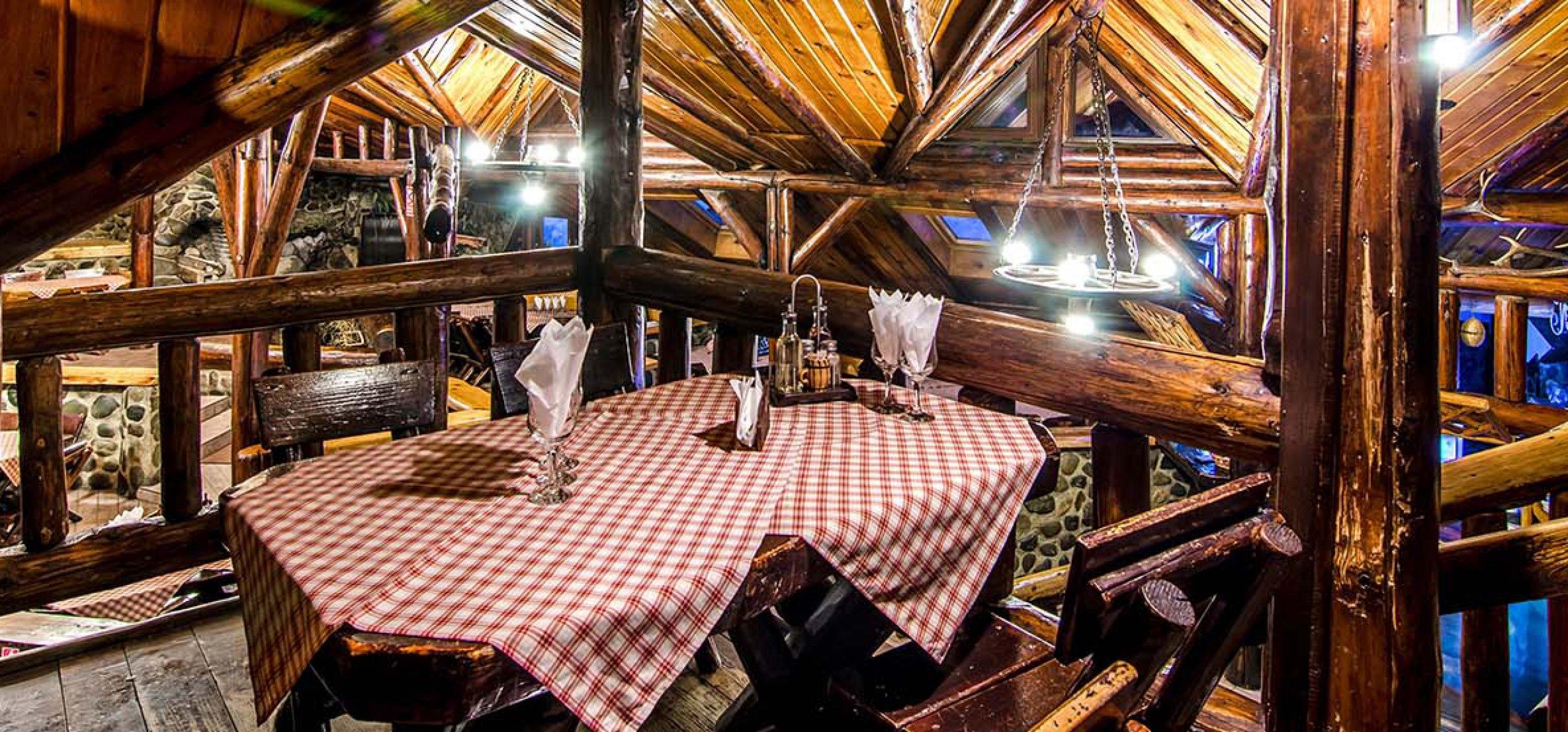 ambianta-restaurant-moieciu-cheile-gradistei-restaurant