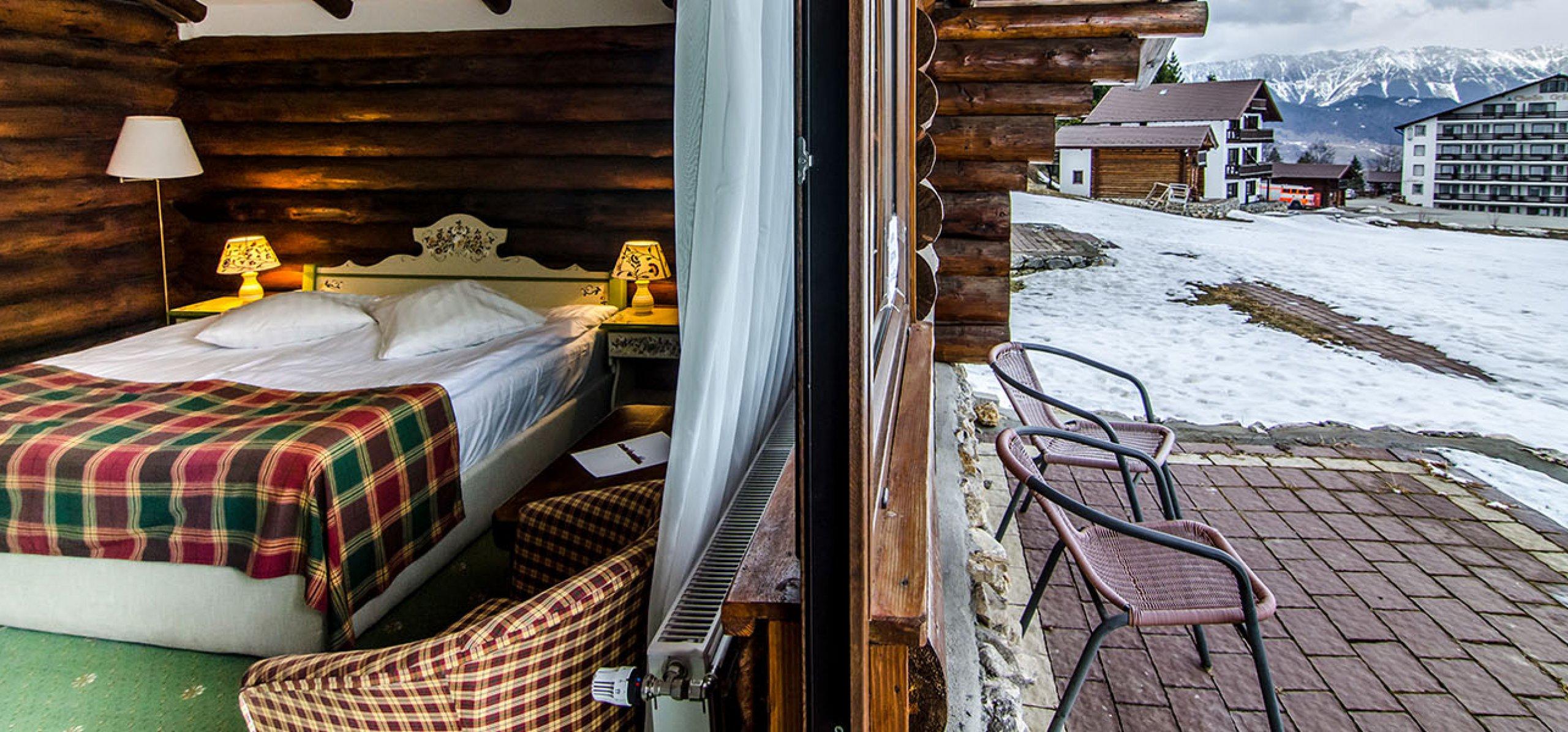 camera-dubla-matrimoniala-terasa-vila-bujorul-cheile-gradistei-fundata