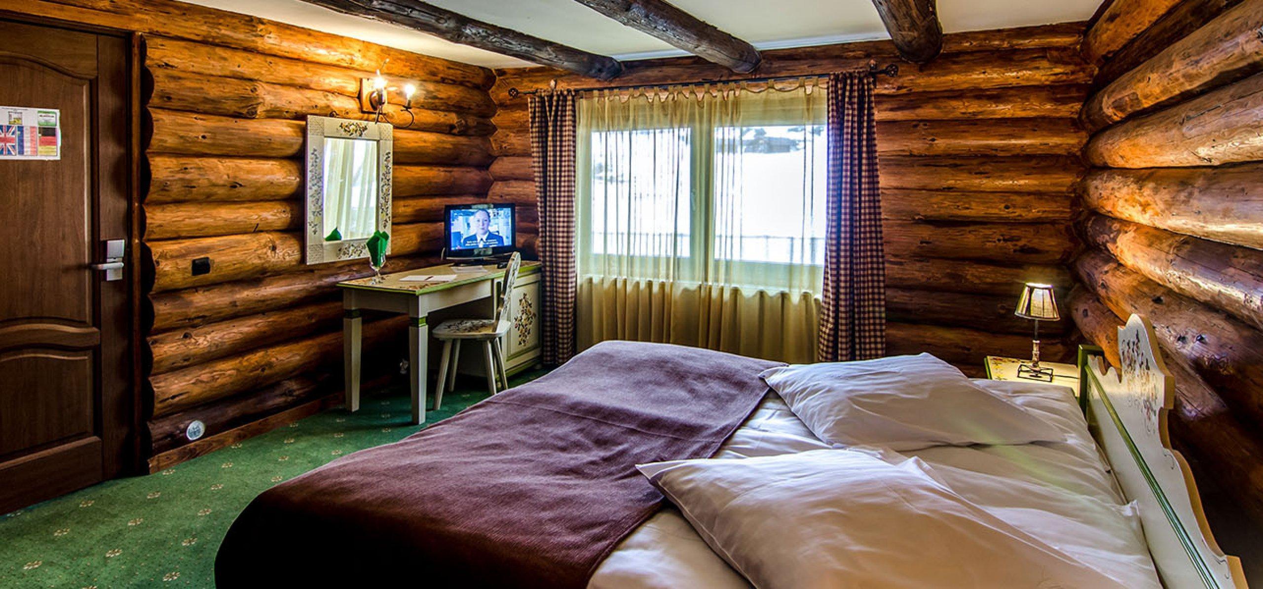 camera-rustic-vila-carpenul-cazare-cheile-gradistei-fundata