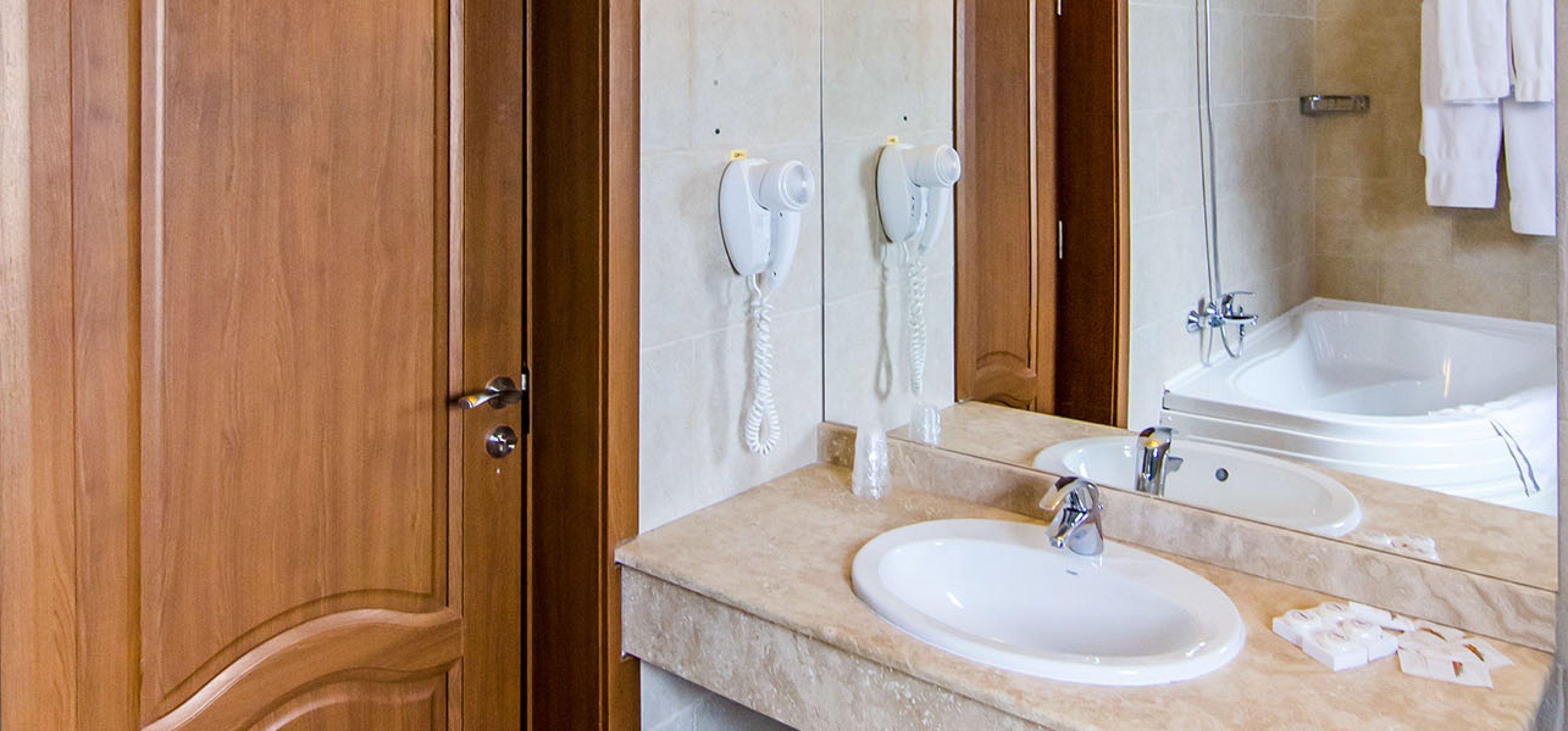 grup-sanitar-luxos-hotel-bucegi