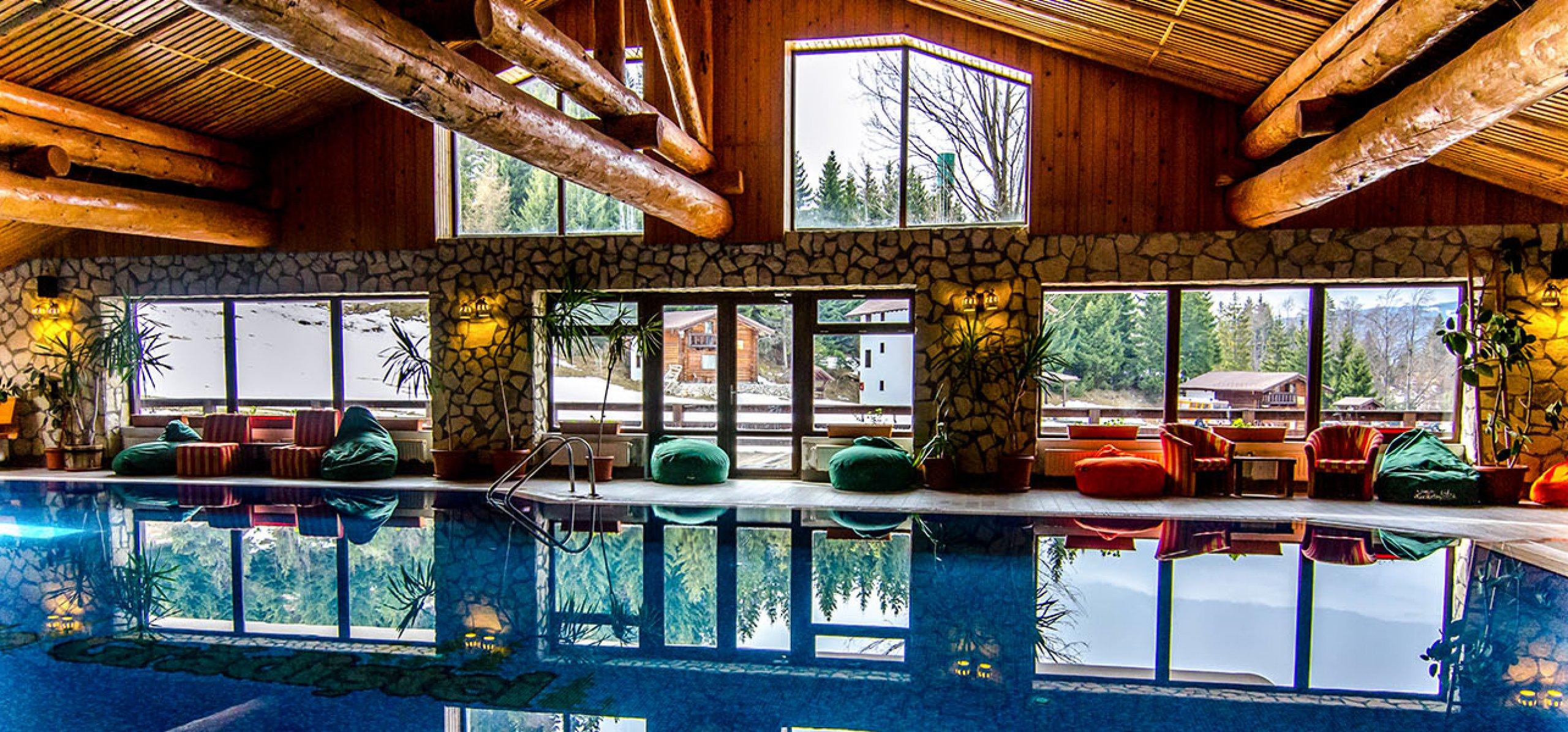 spatiu-piscina-hotel-bucegi