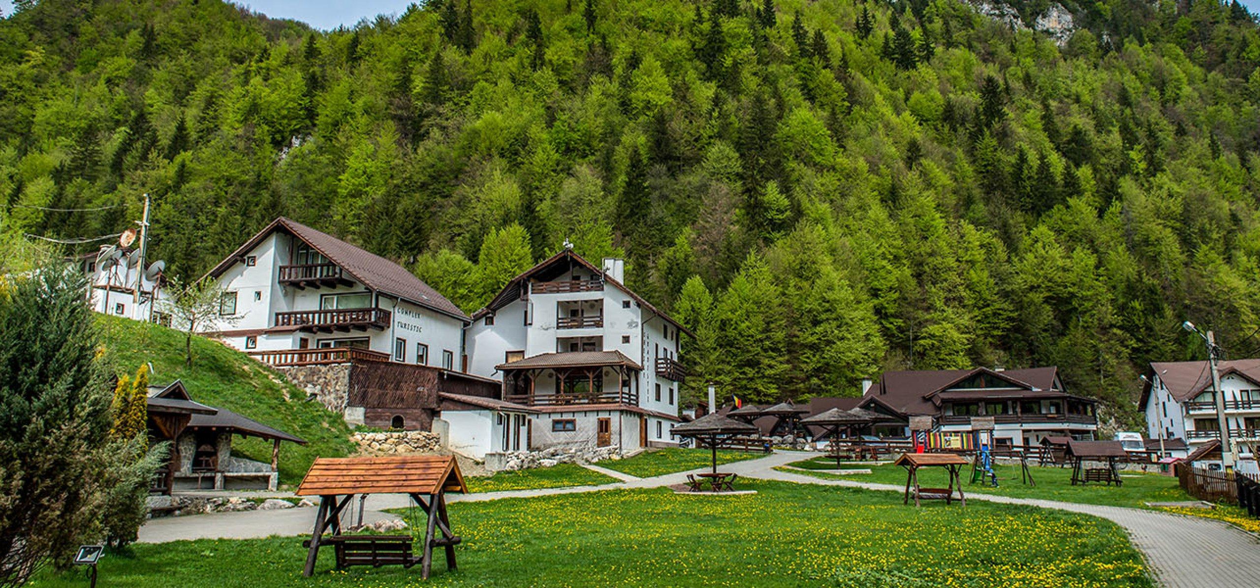 vedere-montana-hotel-gradistea-hoteluri-moeciu-2