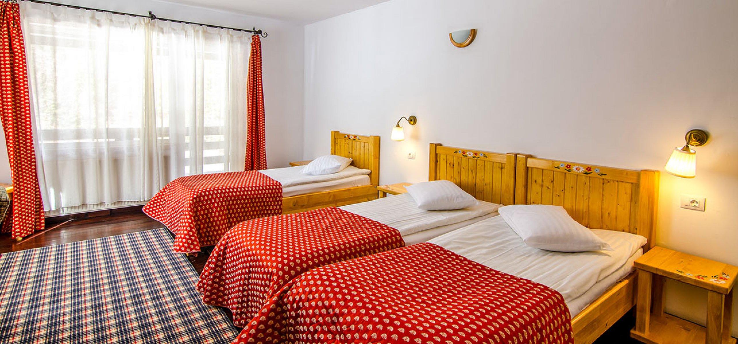 camera-tripla-hotel-cheia-hoteluri-moeciu-1