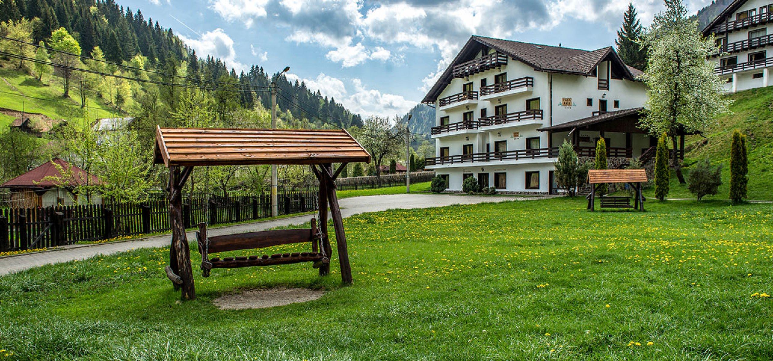 ansamblul-hotel-cheia-hoteluri-moeciu-2